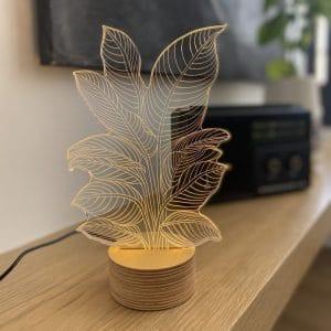 מנורת אווירה בצורת הליקוניה