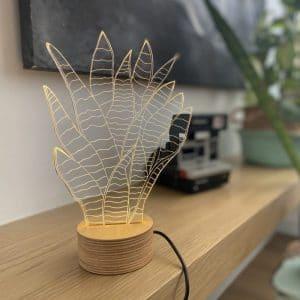 מנורת אווירה בצורת סנסיווריה